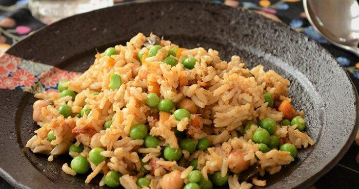 arroz con camarones secos