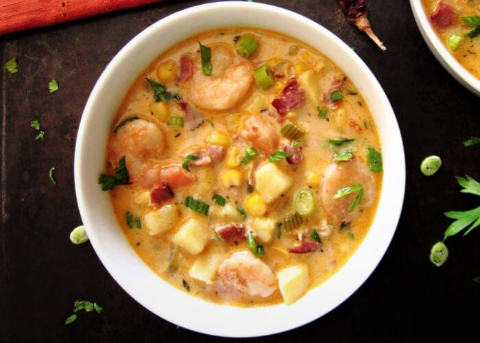 caldo de camarones con chipotle