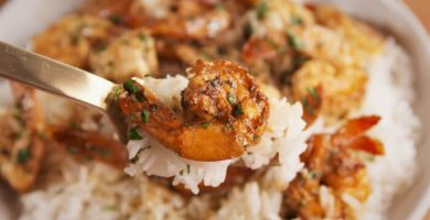 Camarones al mojo de ajo con arroz