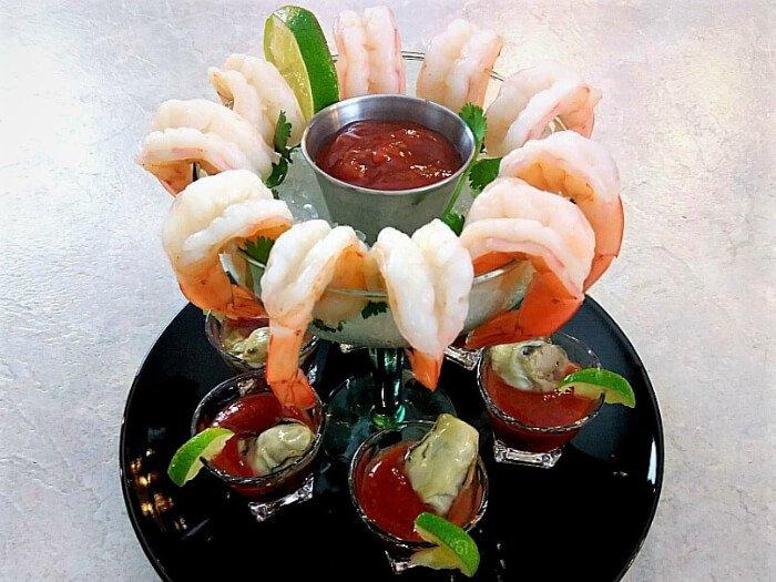 Cóctel de camarón con ostiones