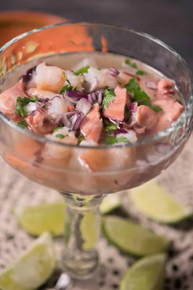 Cóctel de camarón con pulpo