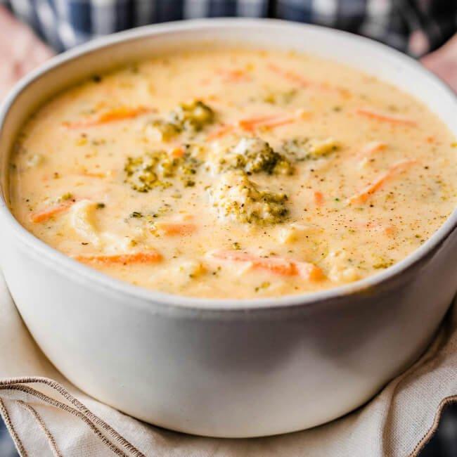 sopa de camarones colombiana
