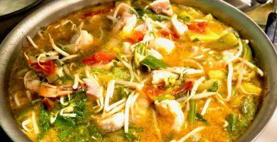 sopa de camarones con fideos