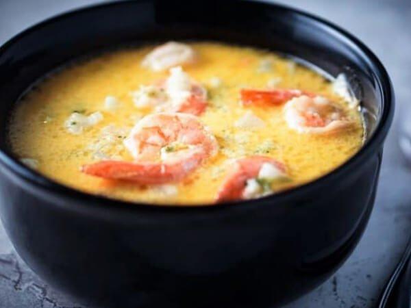 sopa de camarones hondureña